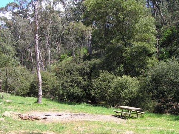 Yackandandah Creek Camping - 4wd & Motorbike Friendly