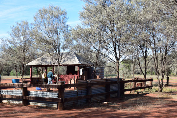 Mulga_Creek_Pub_Byrock_camp1